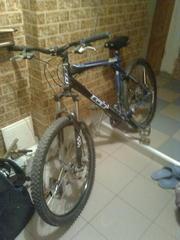 Велосипед горный GT Avalanche 3.0 Disc