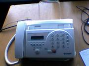 Факс почти новый за время использования израсходовано 2 рул. бумаги