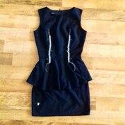 Платье фирмы Oodji